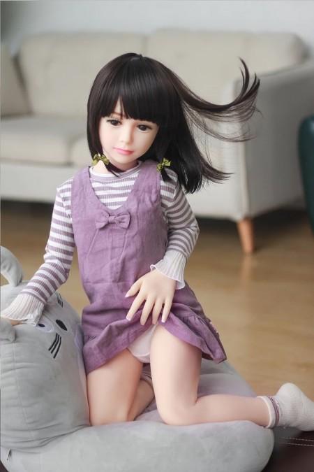 Миниатюрная реалистичная кукла